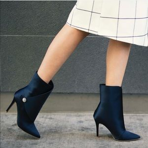 Charles David royal blue point toe boots